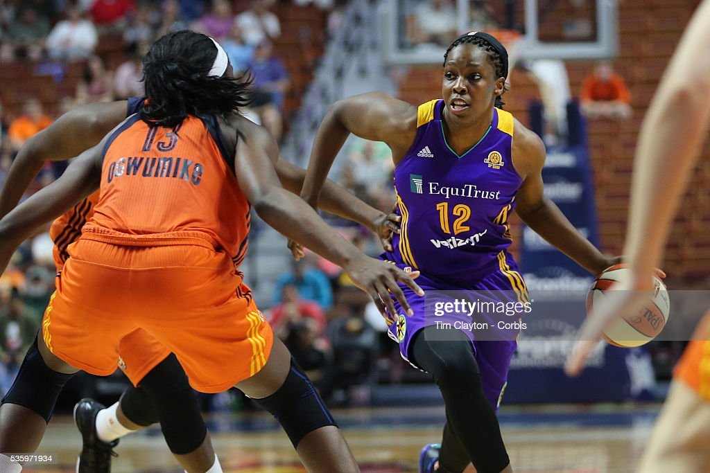 <a gi-track='captionPersonalityLinkClicked' href=/galleries/search?phrase=Chelsea+Gray&family=editorial&specificpeople=7420247 ng-click='$event.stopPropagation()'>Chelsea Gray</a> #12 of the Los Angeles Sparks in action during the Los Angeles Sparks Vs Connecticut Sun, WNBA regular season game at Mohegan Sun Arena on May 26, 2016 in Uncasville, Connecticut.