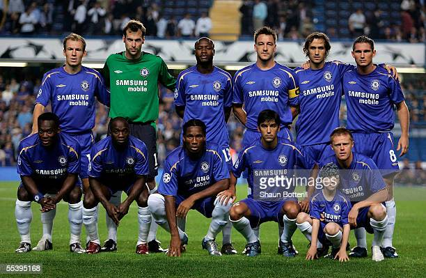 Chelsea line up prior to the UEFA Champions League match between Chelsea and RSC Anderlecht at Stamford Bridge on September 13 2005 in London England