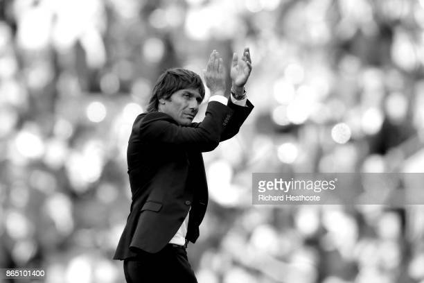 Chelsea manager Antonio Conte applaudes the crowd a the final whistle during the Premier League match between Chelsea and Watford at Stamford Bridge...