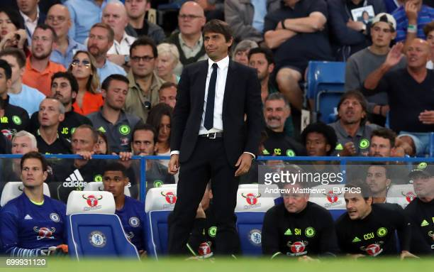 Chelsea manager Antonio Conte reacts on the touchline