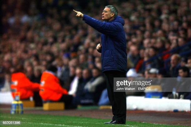 Chelsea Manager Claudio Ranieri directs his team from the sideline