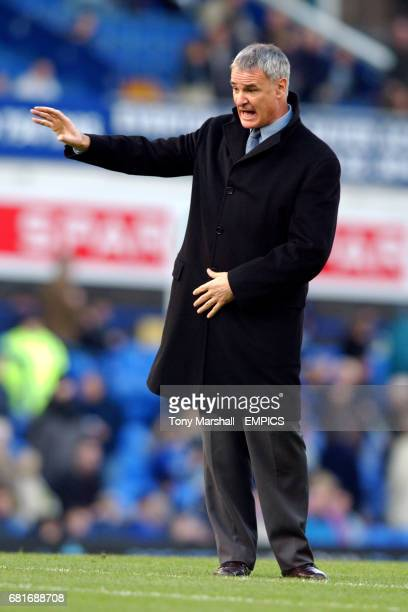 Chelsea manager Claudio Ranieri watches his players as they warm up