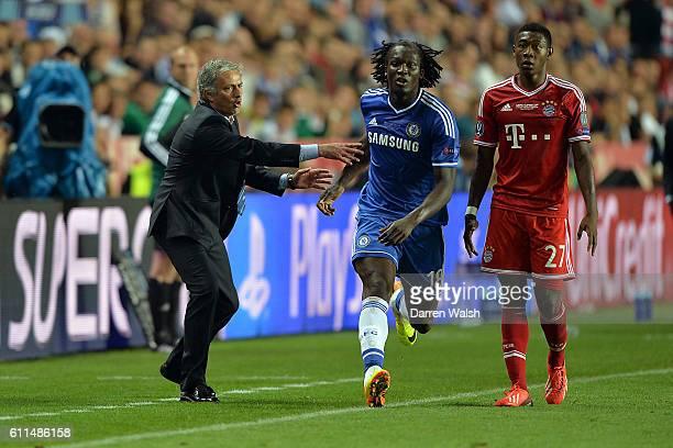 Chelsea Manager Jose Mourinho Chelsea's Romelu Lukaku and Bayern Munich's David Alaba