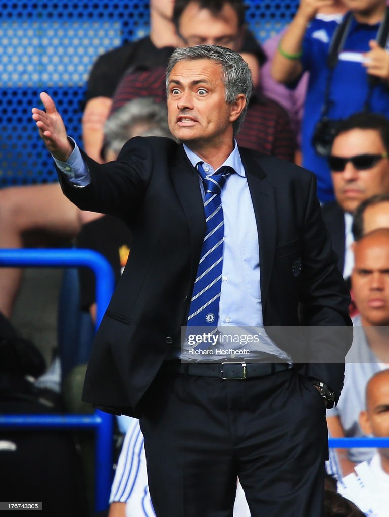 Chelsea manager Jose Mourinho gives instructions during the Barclays Premier League match between Chelsea and Hull City at Stamford Bridge on August 18, 2013 in London, England.