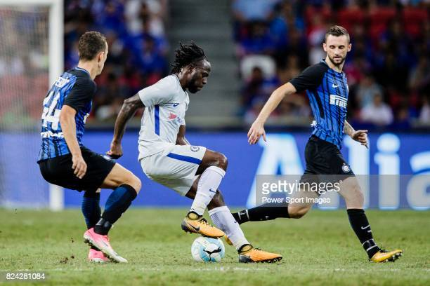 Chelsea Midfielder Victor Moses fights for the ball with FC Internazionale Midfielder Marcelo Brozovic during the International Champions Cup 2017...