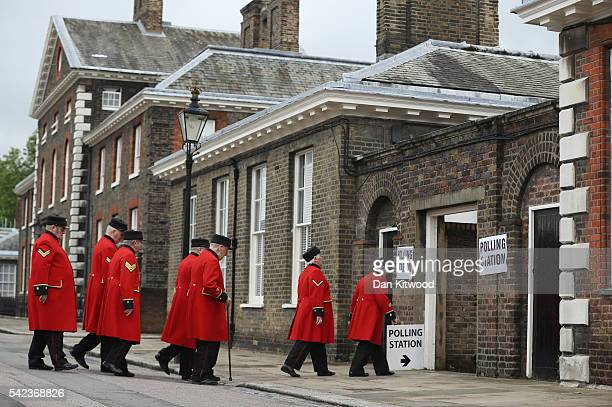 Chelsea pensioners arrive to cast their votes in the EU referendum at Royal Hospital Chelsea on June 23 2016 in London United Kingdom The United...