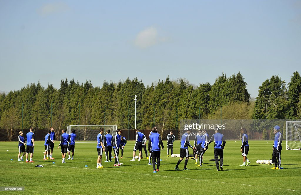 Chelsea players attend a training session at the club's training ground in Cobham London on May 1 ahead of their UEFA Europa League semifinal 2nd leg...