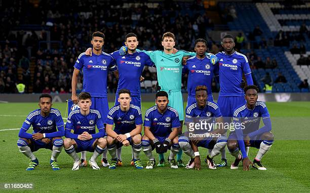Chelsea players pose for a photograph before kickoff