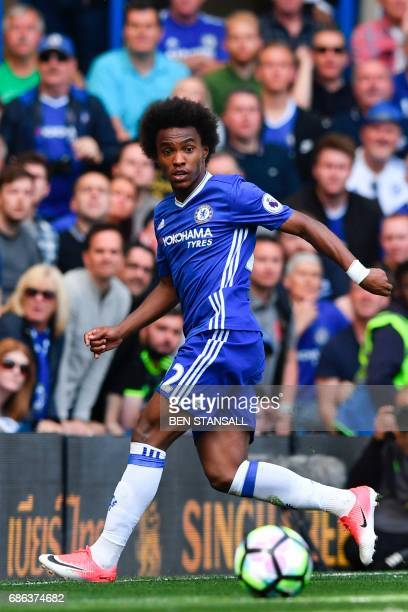 Chelsea's Brazilian midfielder Willian controls the ball during the English Premier League football match between Chelsea and Sunderland at Stamford...