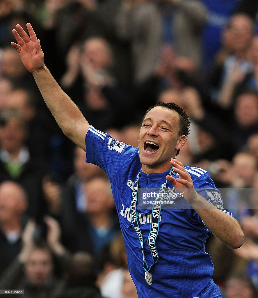 Chelsea's captain John Terry celebrates