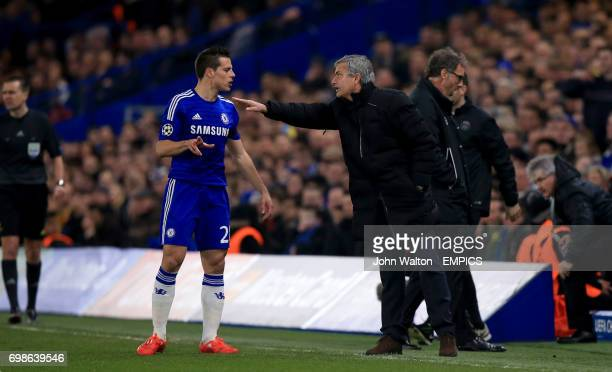 Chelsea's Cesar Azpilicueta receives instructions from manager Jose Mourinho
