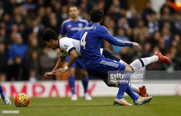 Chelsea's Cesc Fabregas and Tottenham Hotspur's HeungMin Son battle for the ball