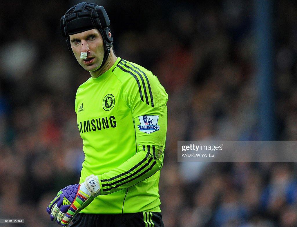 Chelsea s Czech goalkeeper Petr Cech sho