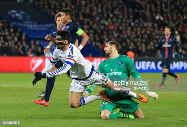 Chelsea's Diego Costa misses a chance to score past Paris SaintGermain goalkeeper Kevin Trapp