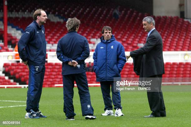 Chelsea's Ed De Goey Enrique De Lucas Gianfranco Zola and manager Claudio Ranieri inspect the pitch prior to the game at Highbury