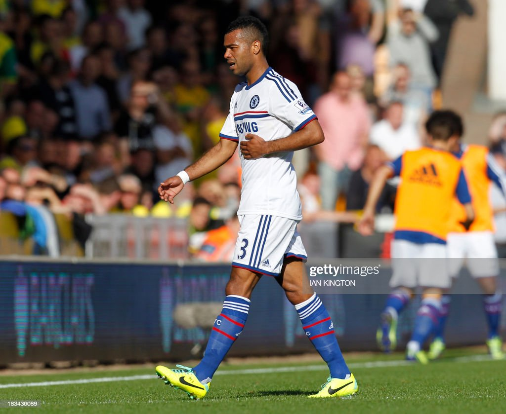 Chelsea's English defender Ashley Cole gestures as he is substituted during the English Premier League football match between Norwch City and Chelsea at Carrow Road in Norwich on October 6, 2013. Chelsea won 3-1.
