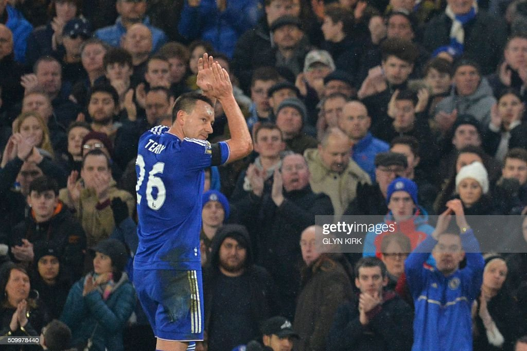 Chelsea's English defender John Terry leaves the pitch after being substituted during the English Premier League football match between Chelsea and Newcastle United at Stamford Bridge in London on February 13, 2016. / AFP / GLYN KIRK / RESTRICTED TO EDITORIAL USE. No use with unauthorized audio, video, data, fixture lists, club/league logos or 'live' services. Online in-match use limited to 75 images, no video emulation. No use in betting, games or single club/league/player publications. /