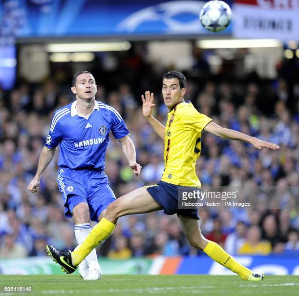 Chelsea's Frank Lampard and Barcelona's Sergio Busquets battle for the ball