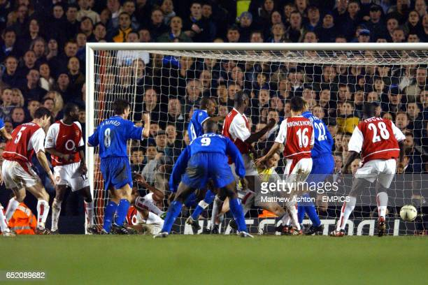 Chelsea's Frank Lampard scores his goal to make it 22 against Arsenal