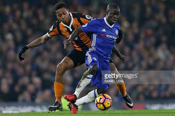 Chelsea's French midfielder N'Golo Kante vies with Hull City's Uruguayan striker Abel Hernandez during the English Premier League football match...