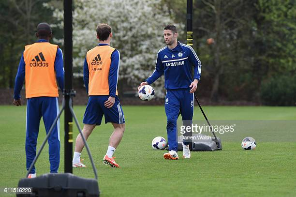 Chelsea's Gary Cahill plays basketball during a training session at the Cobham Training Ground on 4th April 2014 in Cobham England THIS CONTENT IS...