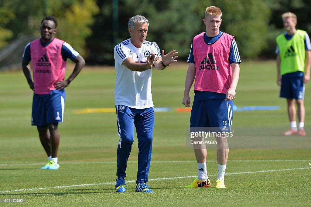 Soccer - Chelsea FC Pre Season Training Session - Cobham Training Ground : News Photo