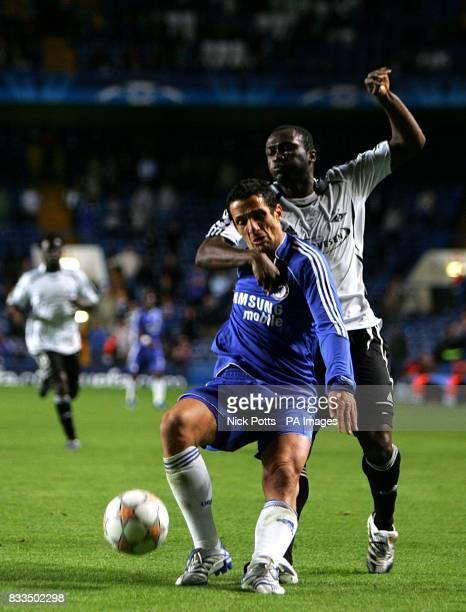 Chelsea's Juliano Belletti shields the ball from Rosenborg's Yssouf Kone