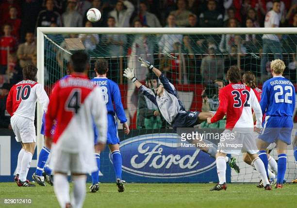 Chelsea's keeper Marco Ambrosio fails to stop Monaco's Dado Prso's dipping header during the UEFA Champions League semi final 1st leg match at the...