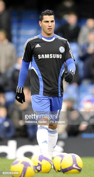 Chelsea's new loan signing Ricardo Quaresma warms up before the match