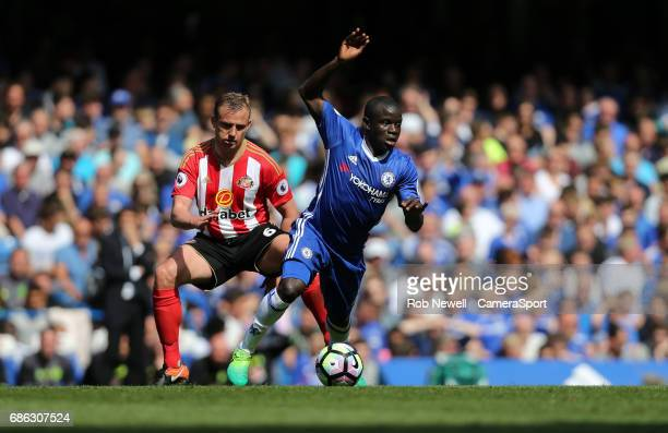 Chelsea's Ngolo Kante and Sunderland's Lee Cattermole during the Premier League match between Chelsea and Sunderland at Stamford Bridge on May 21...