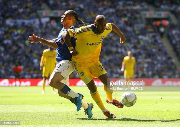 Chelsea's Nicolas Anelka and Everton's Steven Pienaar battle for the ball