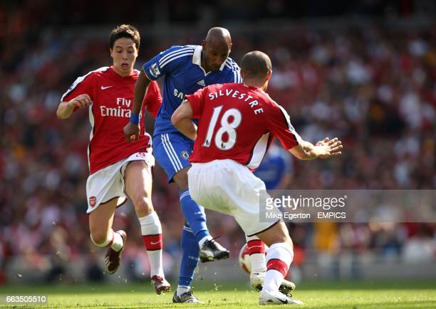 Chelsea's Nicolas Anelka scores his sides second goal of the game
