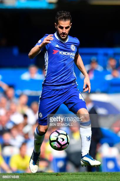 Chelsea's Spanish midfielder Cesc Fabregas controls the ball during the English Premier League football match between Chelsea and Sunderland at...