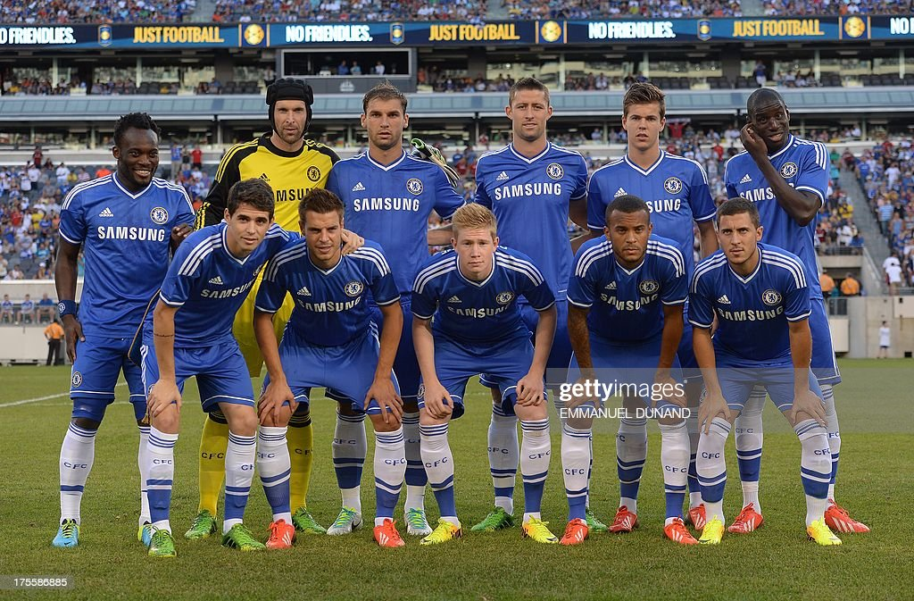 Chelsea's starting line up pose before a 2013 International Champions Cup match against AC Milan at MetLife stadium in East Rutherford, New Jersey, on August 4, 2013. AFP PHOTO/Emmanuel Dunand