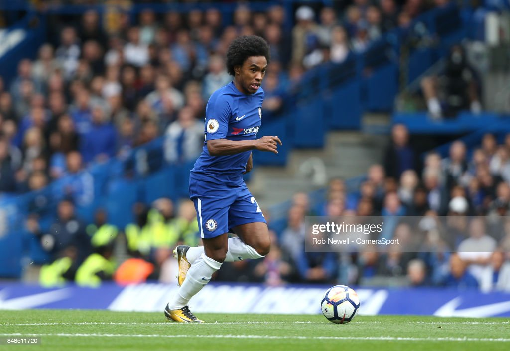 Chelsea's Willian during the Premier League match between Chelsea and Arsenal at Stamford Bridge on September 17, 2017 in London, England.