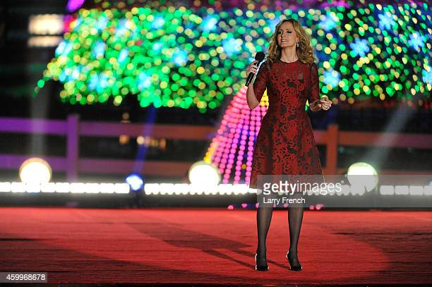 Chely Wright performs at the National Park Foundation and Google's 'Made with Code' National Christmas Tree Lightening Ceremony on December 4 2014 in...