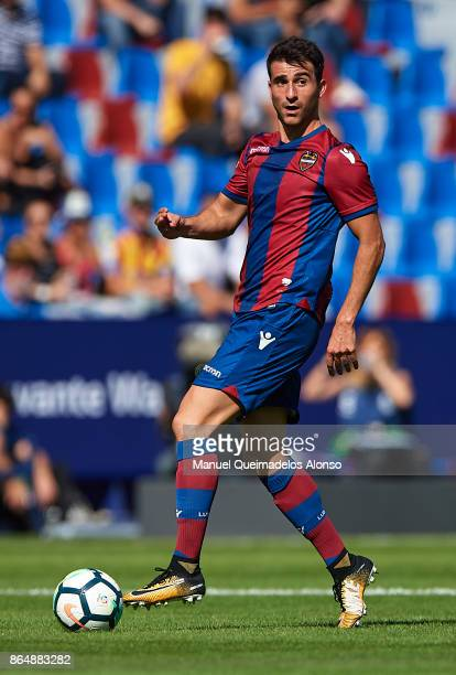 Chema of Levante runs with the ball during the La Liga match between Levante and Getafe at Ciutat de Valencia Stadium on October 21 2017 in Valencia...