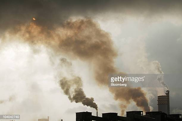 A chemical factory discharges exhaust into the air of Mumbai India on Monday Sept 13 2010 China and India are the biggest generators of UN carbon...