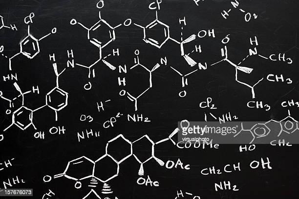 Formule chimique sur Tableau noir