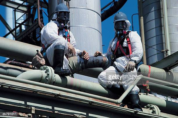 Chemical refinery, asbestos removal