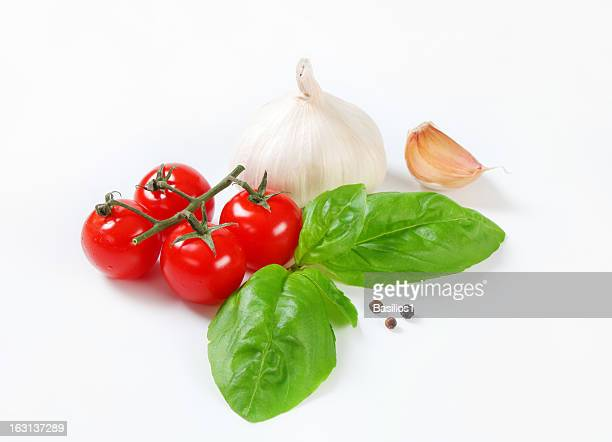 cherry tomatoes with basil, garlic and pepper