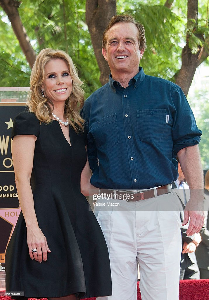 <a gi-track='captionPersonalityLinkClicked' href=/galleries/search?phrase=Cheryl+Hines&family=editorial&specificpeople=209249 ng-click='$event.stopPropagation()'>Cheryl Hines</a> and Robert F. Kennedy Jr attend the ceremony honoring Chery Hines with a star on The Hollywood Walk of Fame on January 29, 2014 in Hollywood, California.