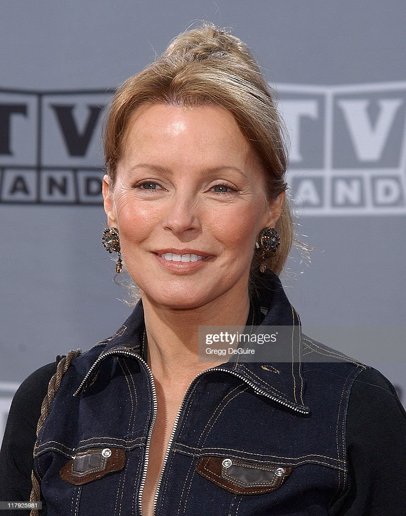 """Cheryl Ladd Visits """"Extra"""" Photos and Images"""