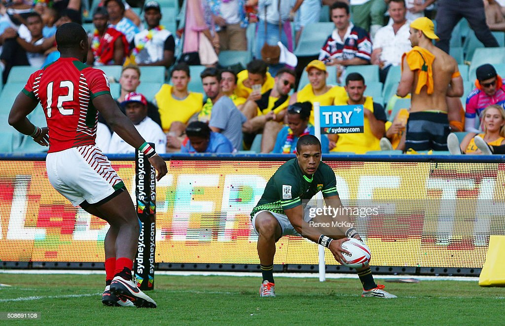 <a gi-track='captionPersonalityLinkClicked' href=/galleries/search?phrase=Cheslin+Kolbe&family=editorial&specificpeople=10178818 ng-click='$event.stopPropagation()'>Cheslin Kolbe</a> of South Africa scores a try during the day 1 match between South Africa and Kenya at the HSBC Sydney Sevens at Allianz Stadium on February 06, 2016 in Sydney, Australia.