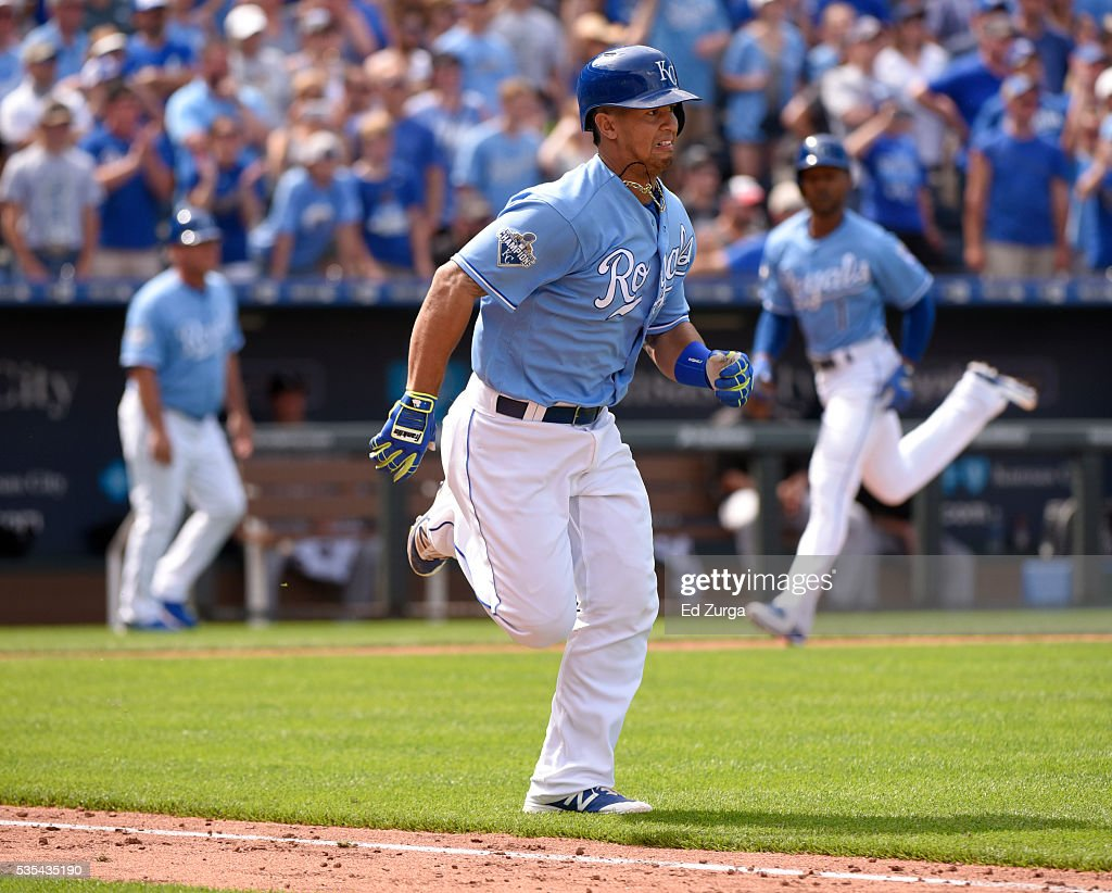 <a gi-track='captionPersonalityLinkClicked' href=/galleries/search?phrase=Cheslor+Cuthbert&family=editorial&specificpeople=9989117 ng-click='$event.stopPropagation()'>Cheslor Cuthbert</a> #19 of the Kansas City Royals runs out an RBI single as <a gi-track='captionPersonalityLinkClicked' href=/galleries/search?phrase=Jarrod+Dyson&family=editorial&specificpeople=6780110 ng-click='$event.stopPropagation()'>Jarrod Dyson</a> #1 of the runs home to score in the eighth inning against the Chicago White Sox at Kauffman Stadium on May 29, 2016 in Kansas City, Missouri. The Royals won 5-4.