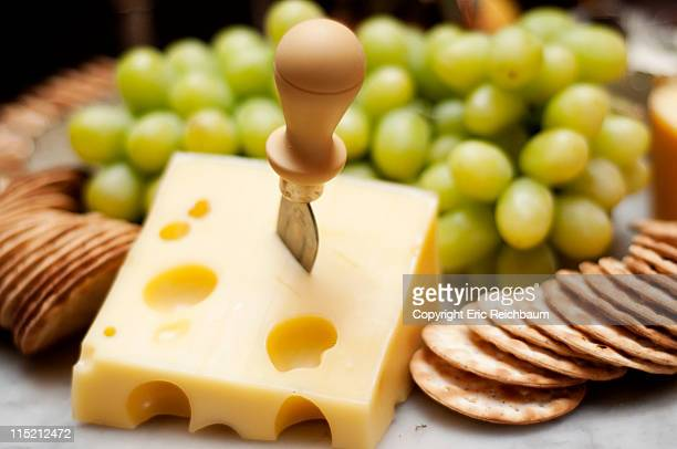 Chesse, crackers and grapes