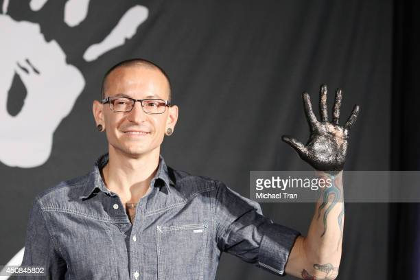 http://media.gettyimages.com/photos/chester-bennington-of-linkin-park-attends-the-hand-induction-ceremony-picture-id450845802?s=612x612