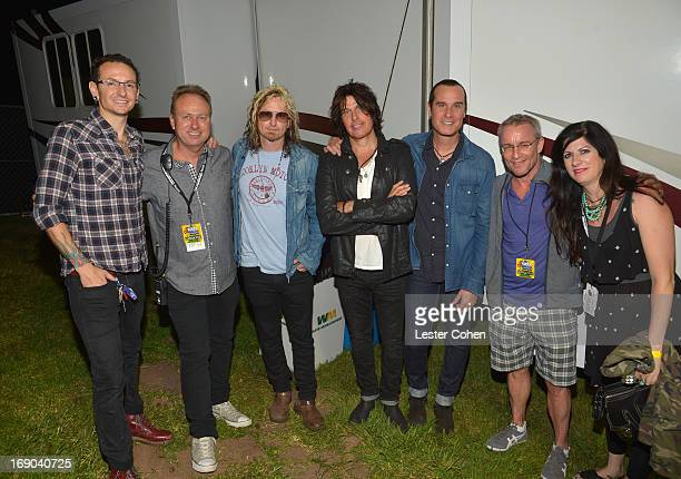Chester Bennington of Linkin Park Gene Sandbloom band members Eric Kretz Dean DeLeo and Robert DeLeo of the Stone Temple Pilots Kevin Weatherly and...