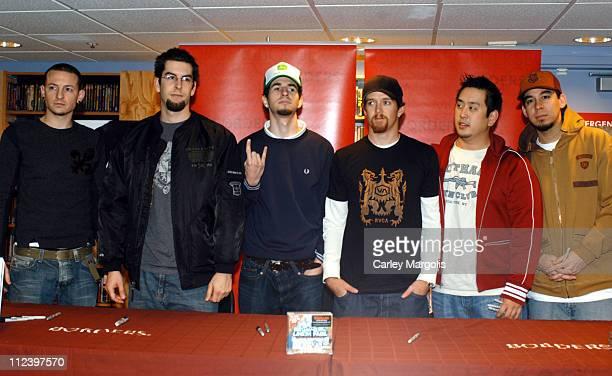 Chester Bennington Rob Bourdon Brad Delson Phoenix Joe Hahn and Mike Shinoda of Linkin Park