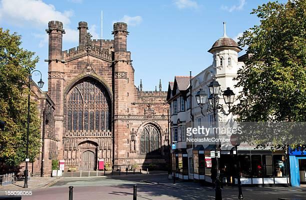 Catedral de Chester entrada desde la calle St. Werburgh's